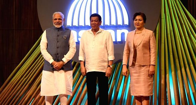 asean50_duterte-receives-modi